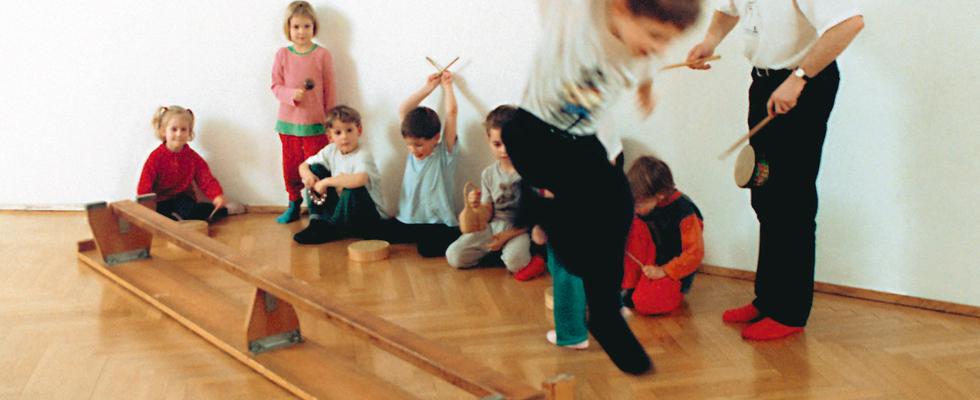 Schnupperstunde Rhythmik für 4-5 Jährige:  Di 16.20h