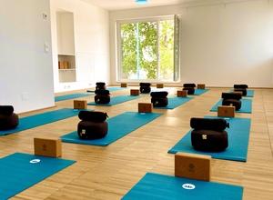 Yoga: Mindful Flow (Basic bis Medium)