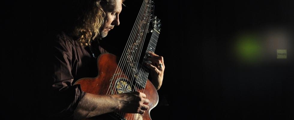 Joachim Csaikl & Freunde präsentieren:  Die lange Nacht der Kontra-Gitarre