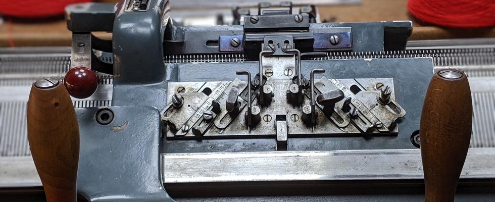 C.F. POPP Handbetriebene Flachstrickmaschine 8E