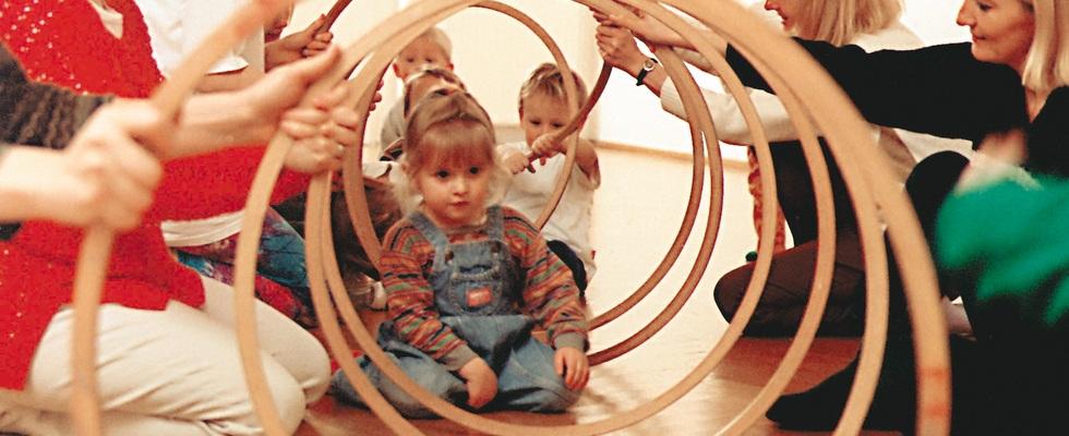 Schnupperstunde Rhythmik für 2-3 Jährige:  Di 15.10h