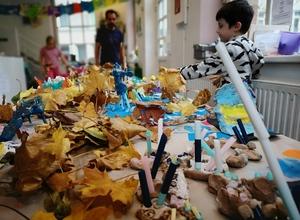 """KREATIVES HERBSTFERIEN-CAMP """"Fantastische Drachen und fliegende Fabelwesen"""" für Kinder zwischen 4,5-10 Jahren"""